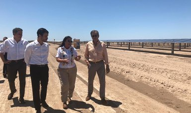 Minister Rocío Nahle tours 162MWp La Orejana, a development of Actis's Zuma Energía (Image credit: Mexican government)