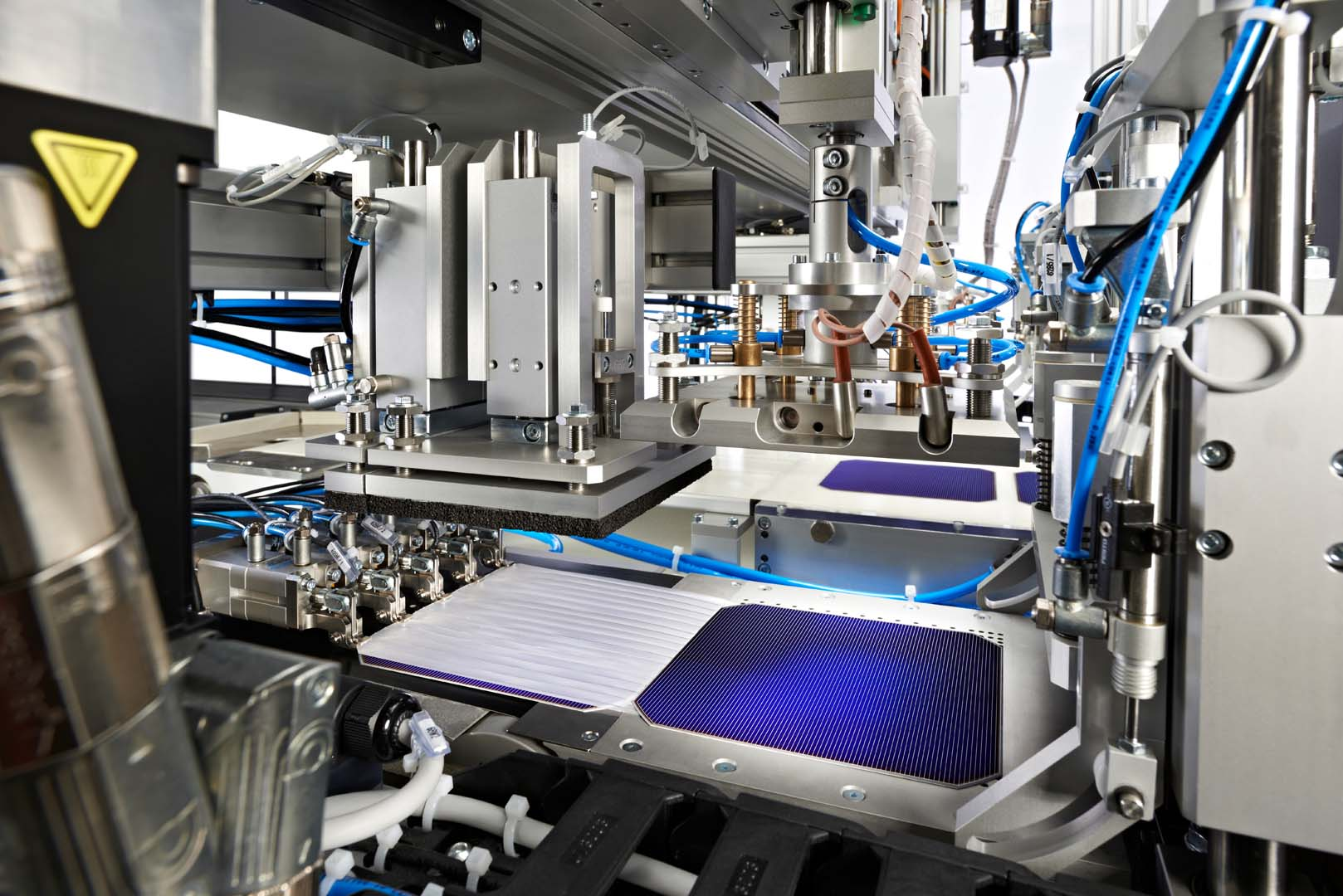 Its future PV business activities in Europe will be focused on advanced technologies such as Heterojunction (HJT), 'SmartWire Connection Technology' (SWCT) and tandem cell technologies, primarily at its facilities in Hohenstein-Ernstthal, Germany. Image: Meyer Burger