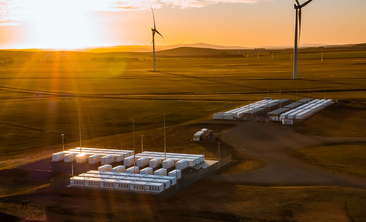 Neoen's existing 150MW Hornsdale Power Reserve battery, paired with a wind farm, in Australia. Image: Neoen.