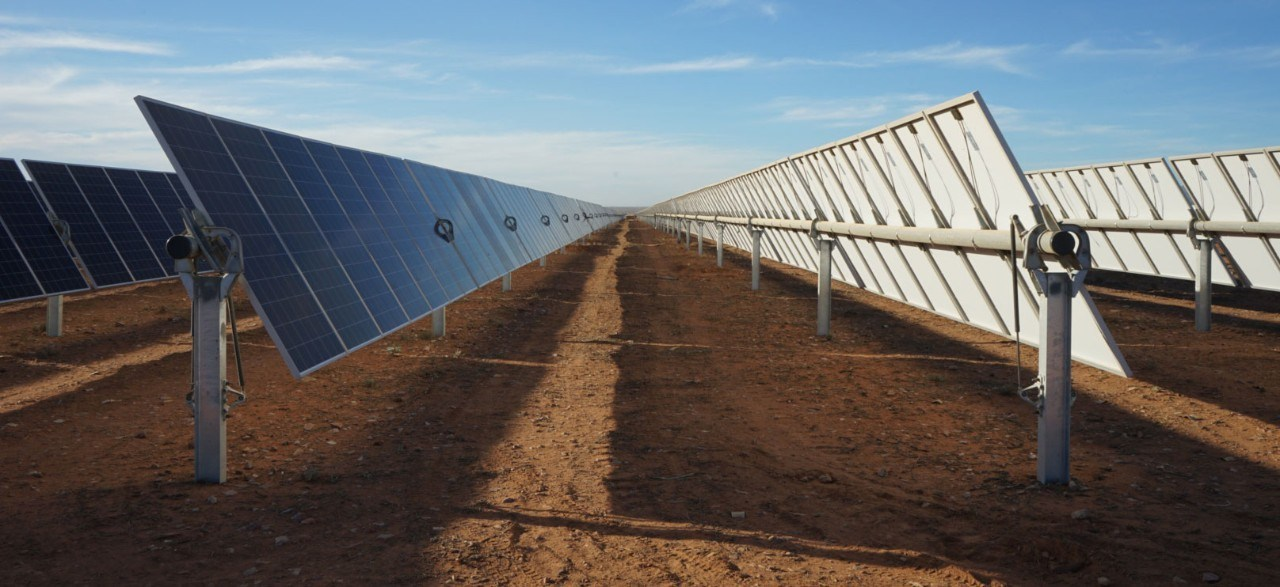 Nextracker's NX Horizon technology installed at an existing solar farm in Australia, completed in 2018. Image: Nextracker.