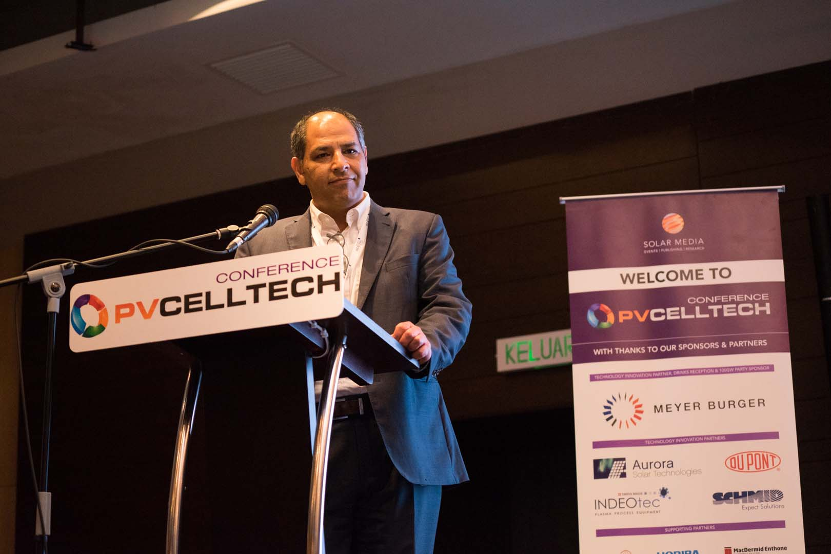 Omid Shojaei, the CEO of heterojunction production equipment supplier INDEOtec, speaking at PV CellTech 2018. Credit: Solar Media