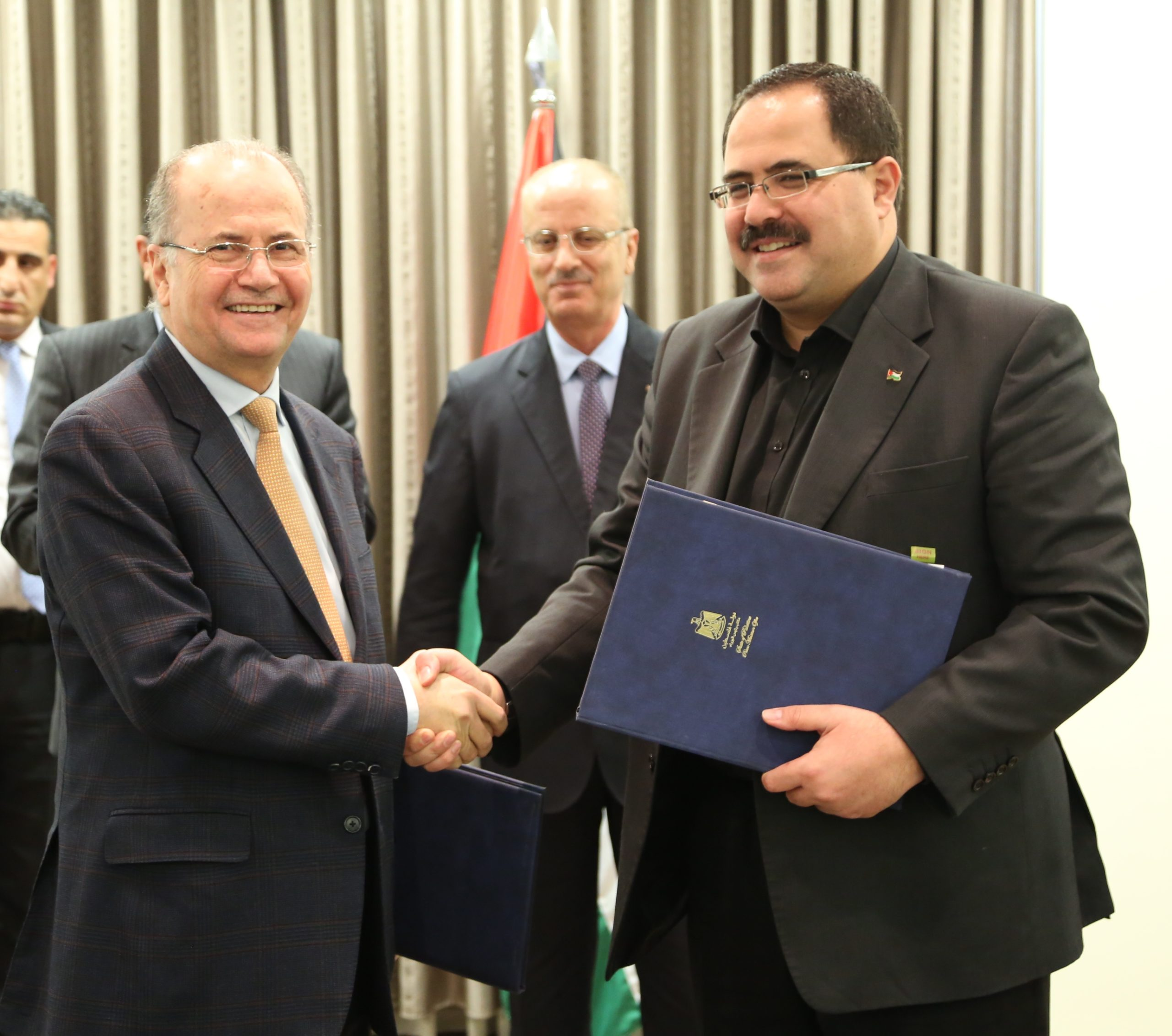 PIF Chairman Dr. Mohammad Mustafa with Palestinian Ministry of Education and Higher Education Minister Sabri Sidem. Image: PIF