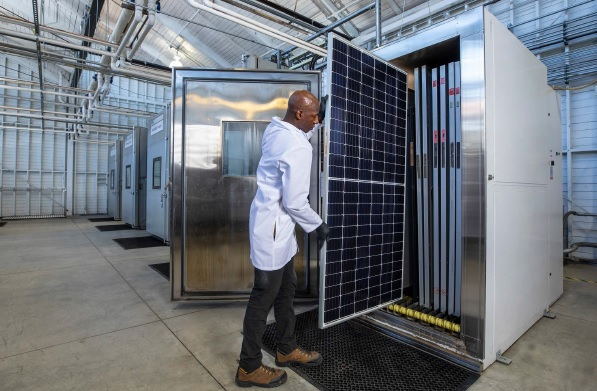 PVEL is also reducing the total number of PV module samples required, while reducing testing times by 25% for tests such as thermal cycling to provide faster reporting while maintaining data quality and integrity. Image: PVEL