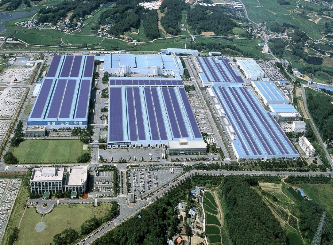 PV plant on rooftop of a Hyundai group facility. Image: Hyundai.