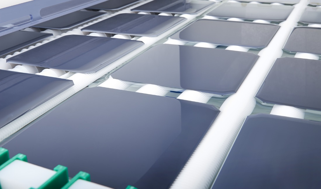 """""""With our state-of-the-art production platforms BatchTex N and InOxSide+, we can ensure the ideal surface quality for our customers' highly efficient solar cells,"""" added Dr. Christian Peter, Vice-President Sales at RENA Technologies. Image: RENA Technologies"""