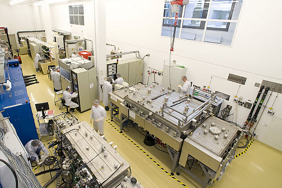 The new efficiency record was made using lab-sized (0.5 square centimetre) cells and a series of optimised processes on a laboratory coating machine using the co-evaporation method.