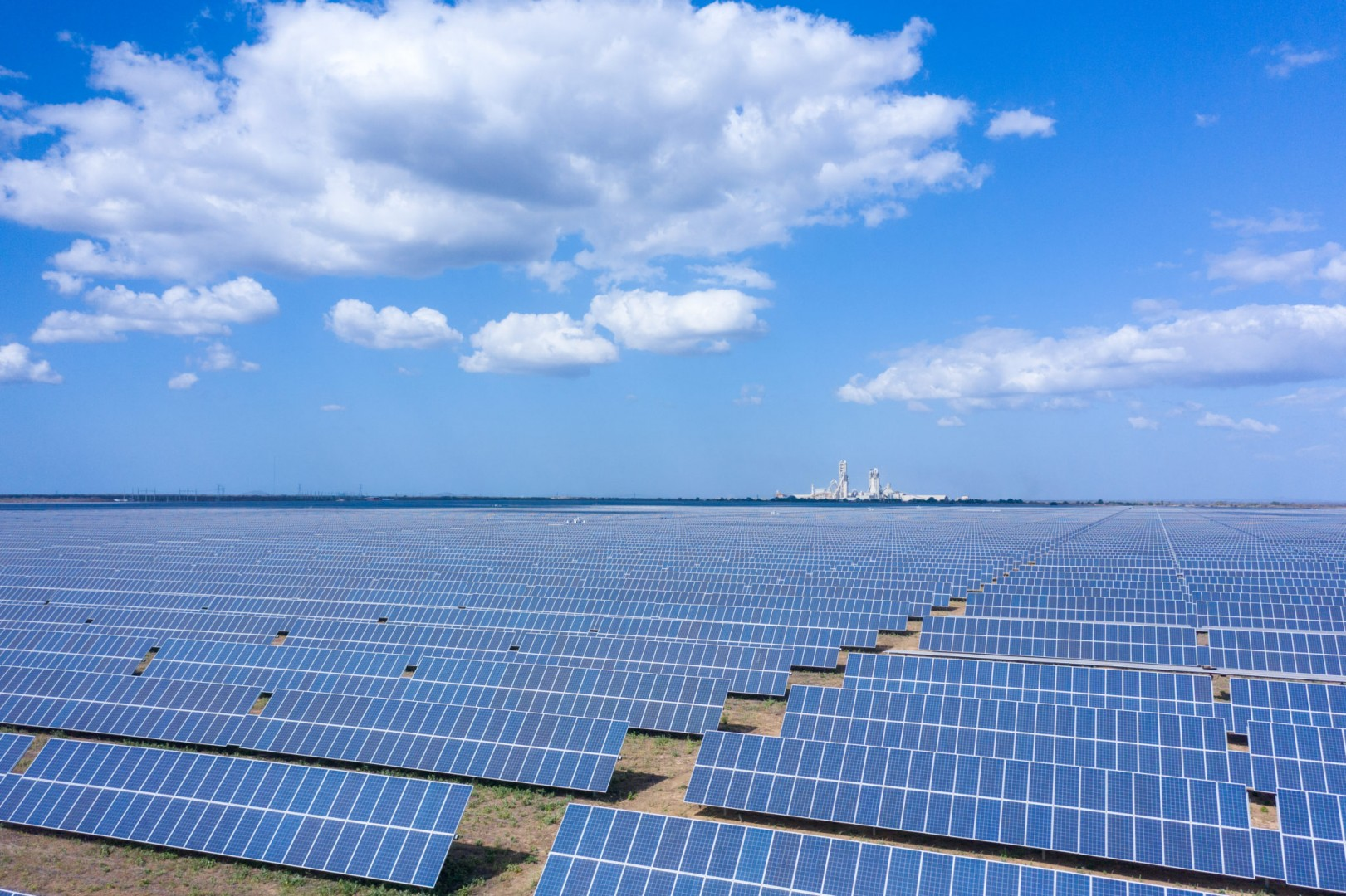 The 162MW Apodi solar farm developed by Scatec and Equinor in Brazil two years ago. Image: Scatec.