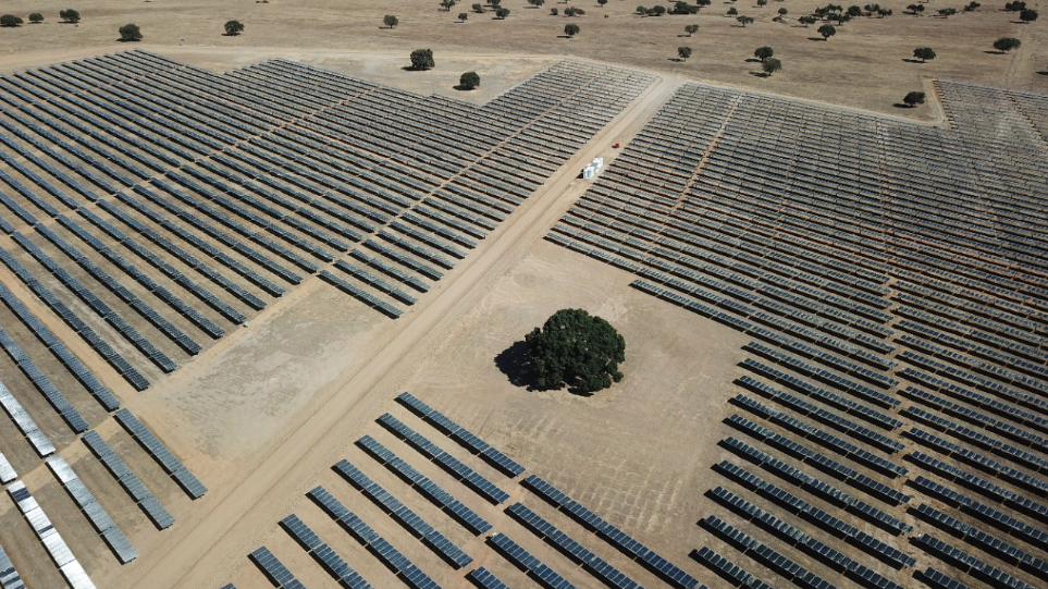 The instalments come as part of a Spanish rush to meet European clean energy targets for 2020. Credit: EGPE/Endesa