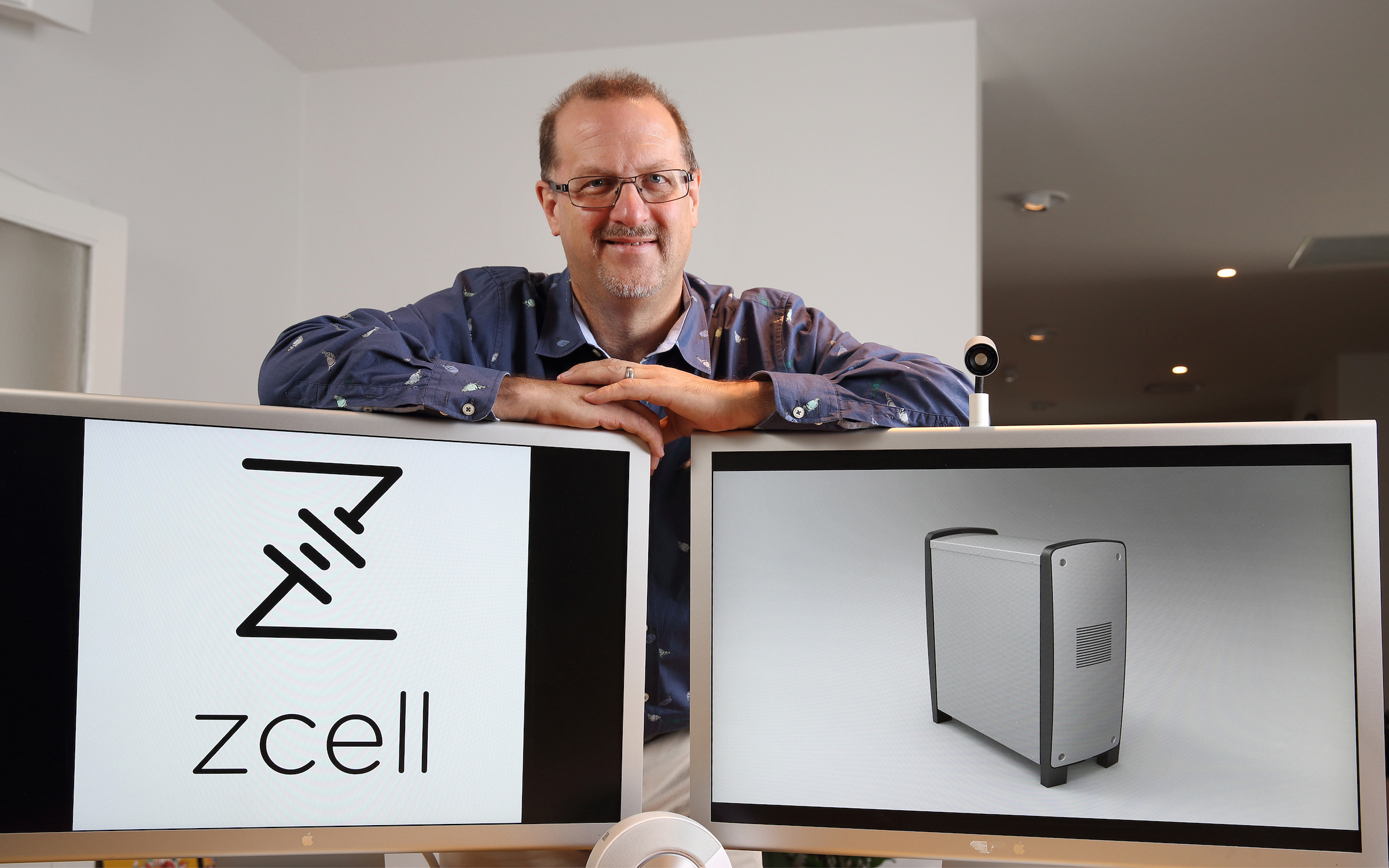 Newly-installed Redflow CEO Simon Hackett with the Z Cell. Source: Redflow