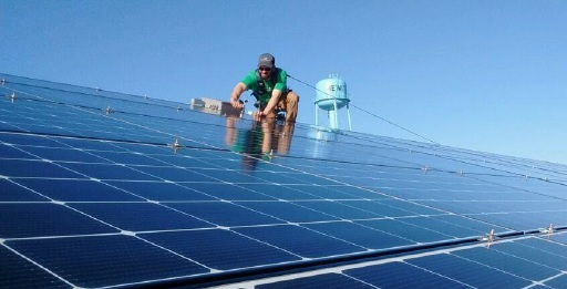 SolarEdge recently reported third quarter revenue of US$236.6 million, a 4% increase over the previous quarter, contrasts with its near rivals (Sungrow and SMA Solar), which have been impacted by much greater dependence on the utility-scale PV market and demand issues due to China's 531 New Deal and product ASP declines that are delaying PV power plant projects until price stability returns. Image: SolarEdge