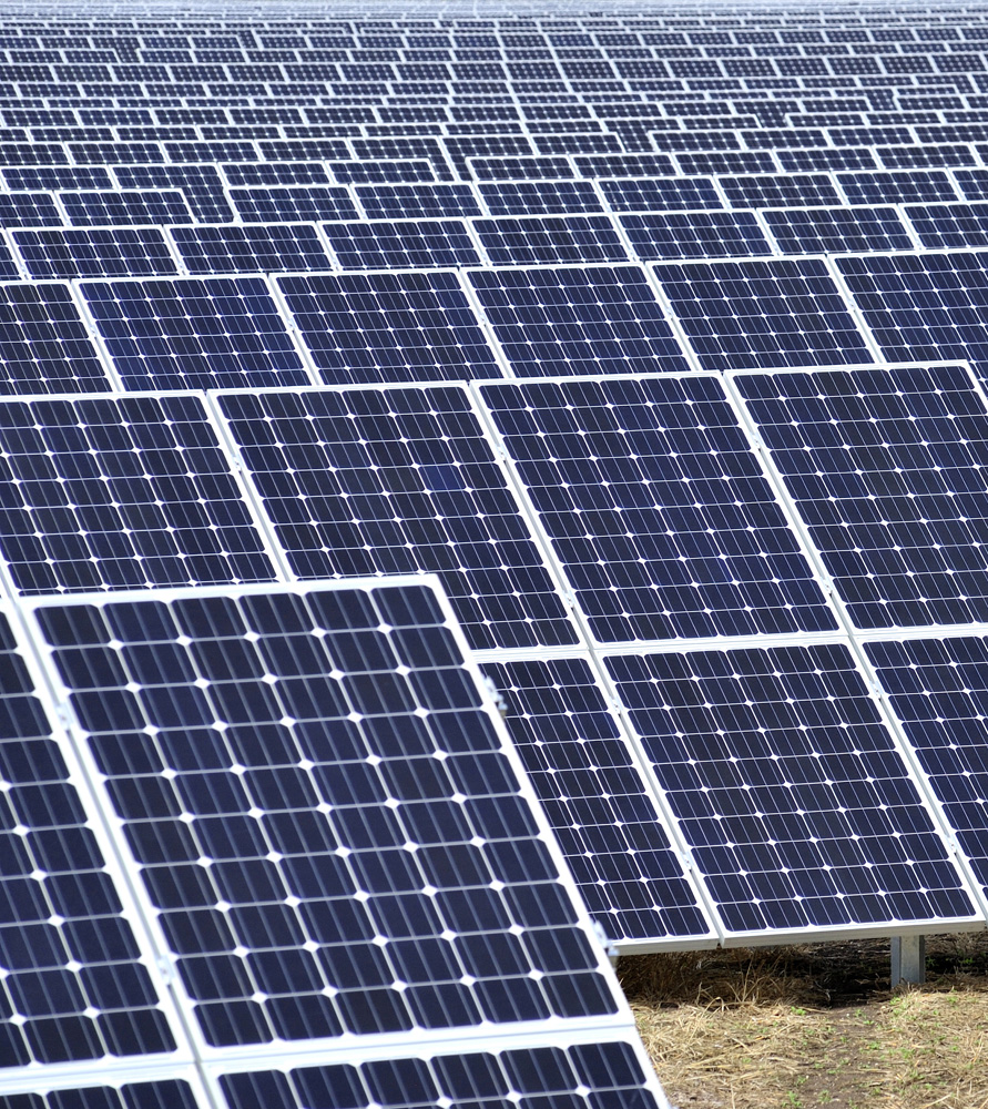 Renewables projects throughout Europe faced compressed power prices as demand dropped this year. Image: Solarcentury.