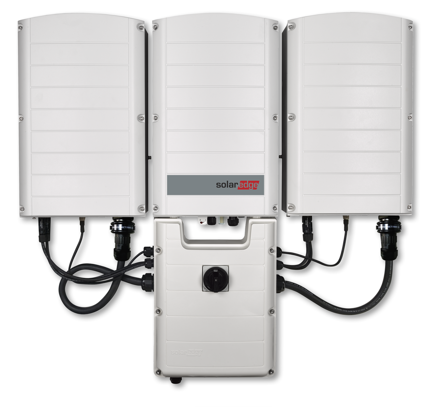 The SE100KUS introduces the SolarEdge Inverter SetApp, a new, smartphone-enabled commissioning system. Image SolarEdge
