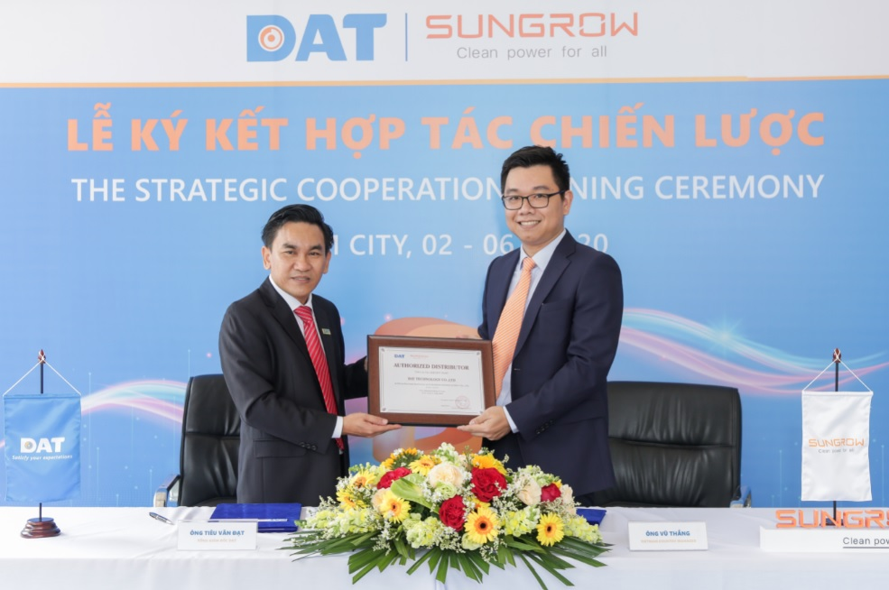 """""""The 100MW distribution agreement marks the beginning of our partnership with DAT. We're looking forward to powering more facilities and communities with state-of-the-art PV inverter solutions,"""" said Dr. Thang Vu, Country Manager of Sungrow Vietnam. Image: Sungrow"""