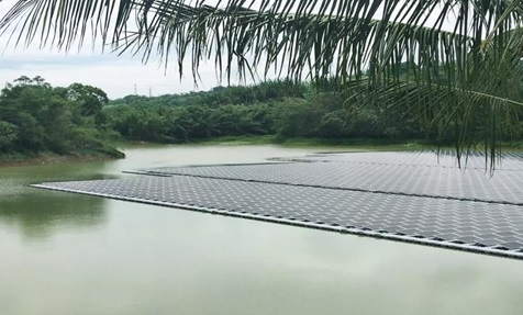 Sungrow Power Supply Co said that a 1.9MW floating solar (FPV) plant in southern Taiwan had experienced extreme environmental conditions through a dry season and then a typhoon season that caused some unique issues but survived relatively unscathed. Image: Sungrow