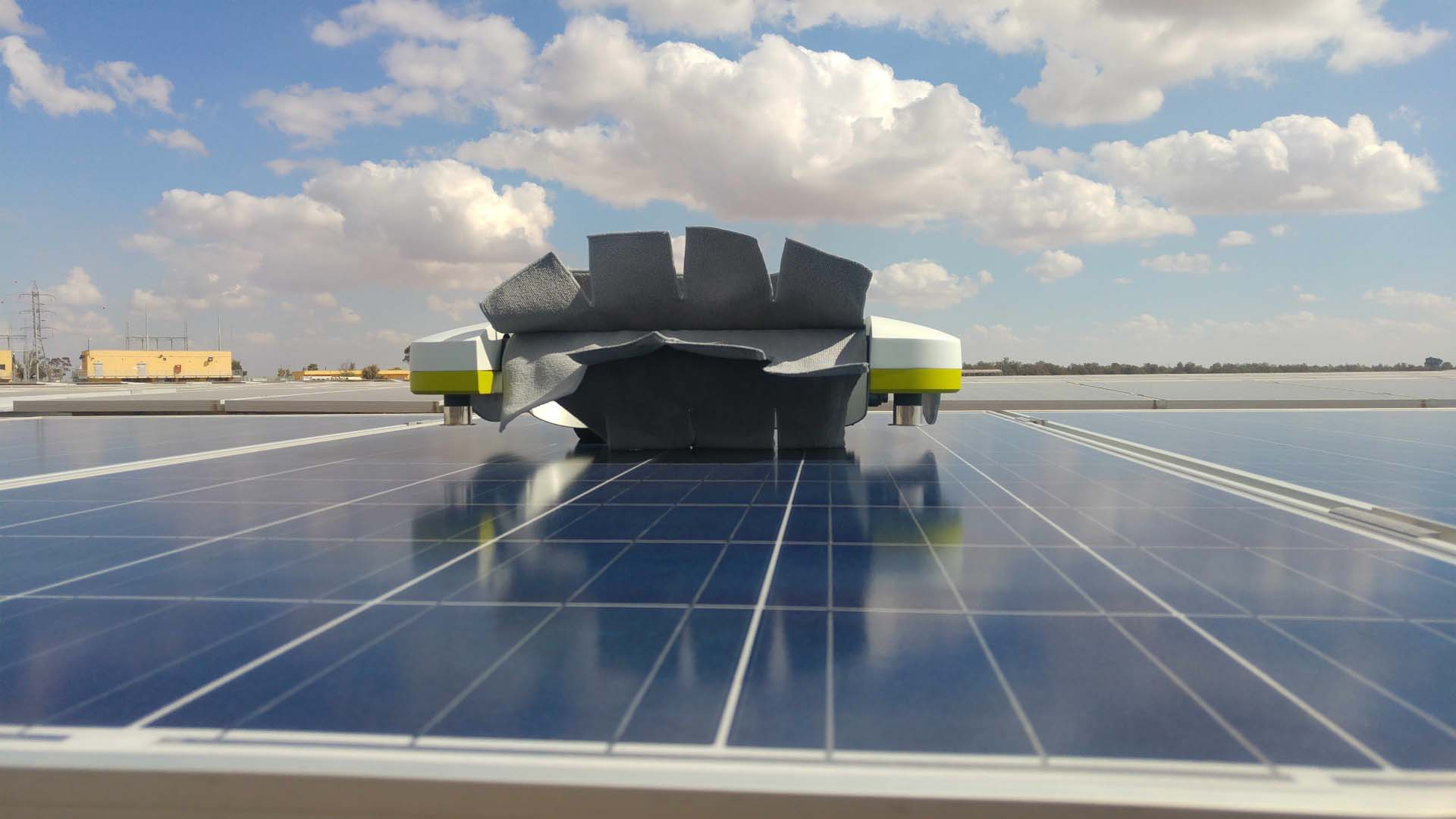 The first commercial deployment of Ecoppia T4 is already underway at a large installation in the Middle East and is slated to become operational by the end of April. Image: Ecoppia