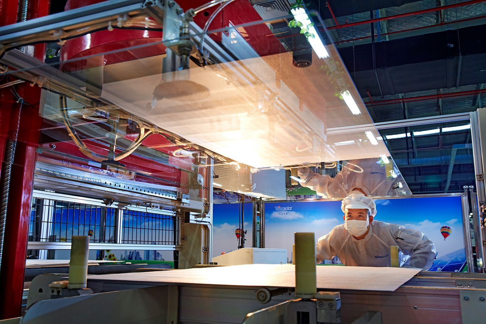 This article continues our series of features introducing new methodology that allows leading PV module producers to be categorised, ranked and short-listed by manufacturing and financial strength metrics; ultimately providing an investor-risk (or bankability) profile of bankable module suppliers for non-residential end-market selection. Image: Trina Solar