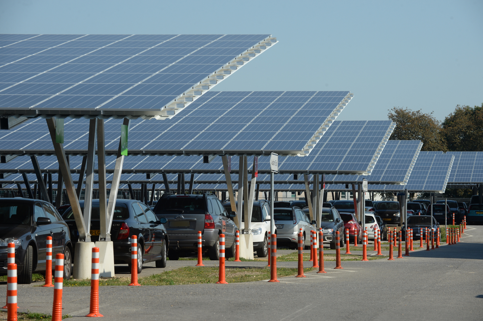 The array at Weeze Airport in North Rhine-Westphalia, Germany. Source: Trina Solar/Gottfried Evers.
