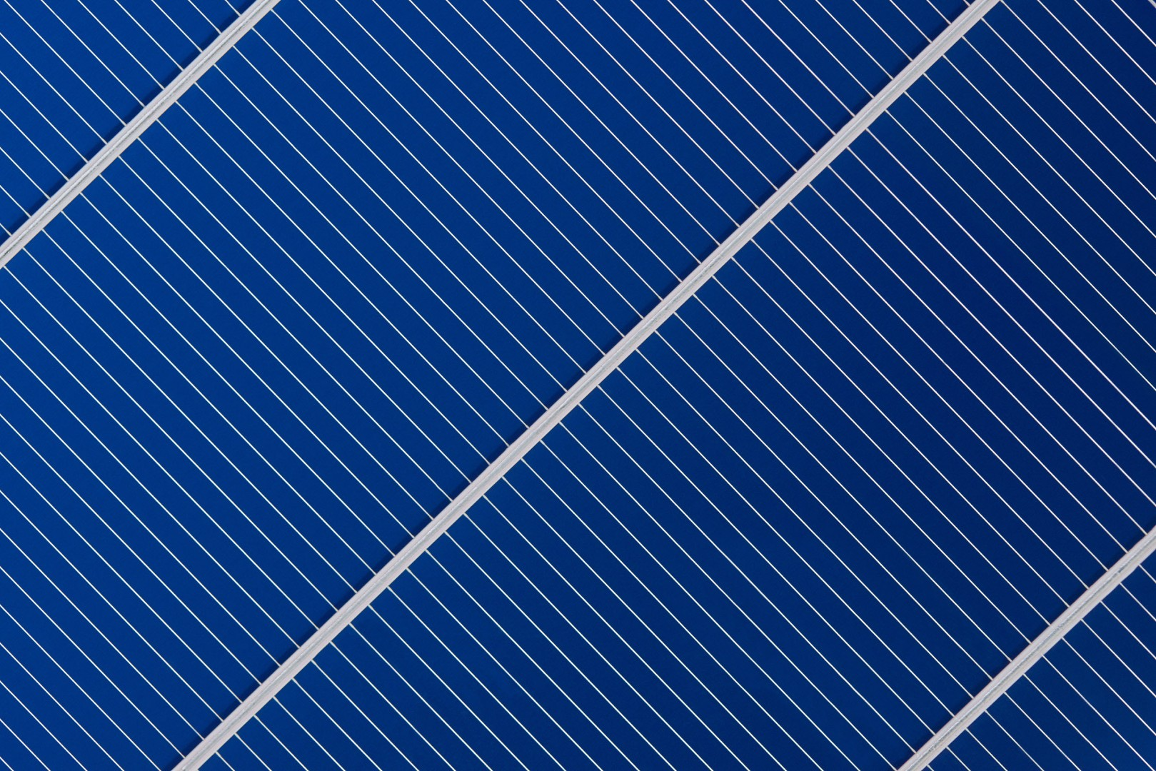 Heraeus Photovoltaics has established a manufacturing and sales partnership with China-based PV conductive tape specialist, Suzhou Yubang New Material Co (YourBest) for Heraeus' 'Selectively Coated Ribbon' (SCR Ribbon) technology. Image: Heraeus