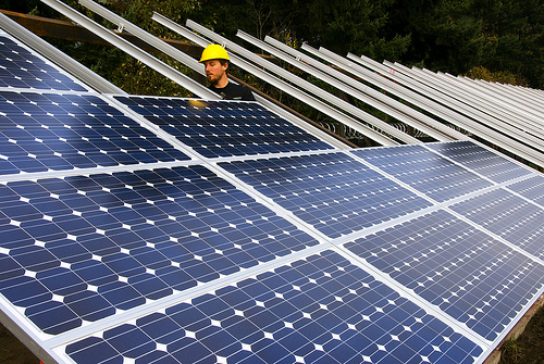 The 36 PV gardens, each with a generation capacity of 1MW, will generate clean, renewable energy and provide energy savings to Walmart locations in 13 separate counties. Image: US Solar