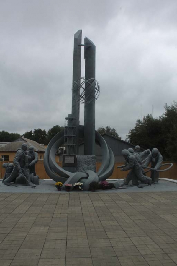 A memorial to the firefighters and miners who fought to bring the fire in Chernobyl's number four reactor under control and helped avert a much bigger catastrophe. The official Soviet death toll of 31 people is still hotly contested, as is the number of people who have been and will be indirectly affected by conditions such as thyroid cancer. Some put this figure in the tens of thousand.