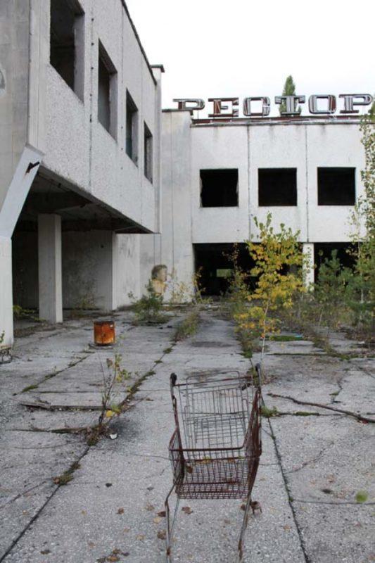Pripyat's supermarket, evidently abandoned in great haste.