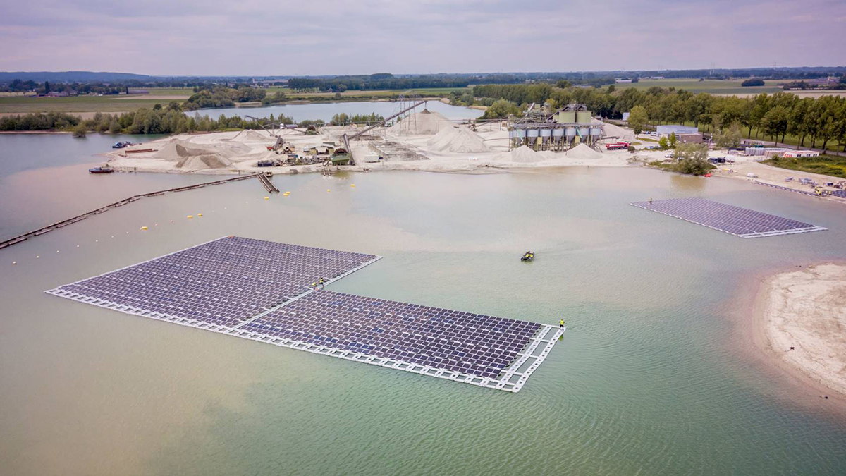 The 1.2MW floating solar farm completed by Vattenfall is built on a body of water created by sand and gravel extraction. Image: Vattenfall.