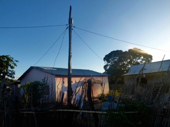 These nano-grids use solar energy to supply electricity to five or six households. Credit: Veolia