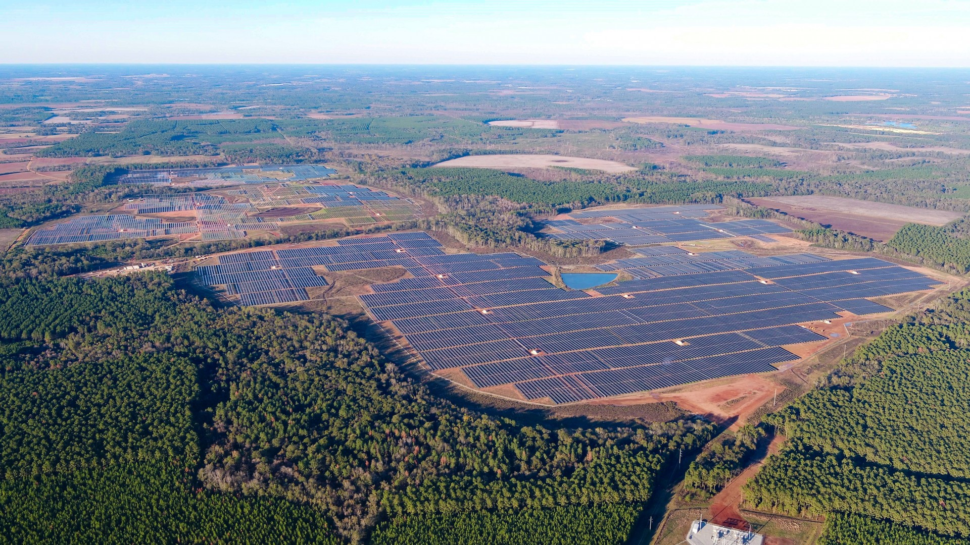 Facebook's 102.5MW project in Georgia is comprised of more than 350,000 solar modules located over 485 hectares of land. These modules were some of the first produced by  Hanwha Q CELLS at its new manufacturing facility in Whitfield County, Georgia. Image: Walton EMC