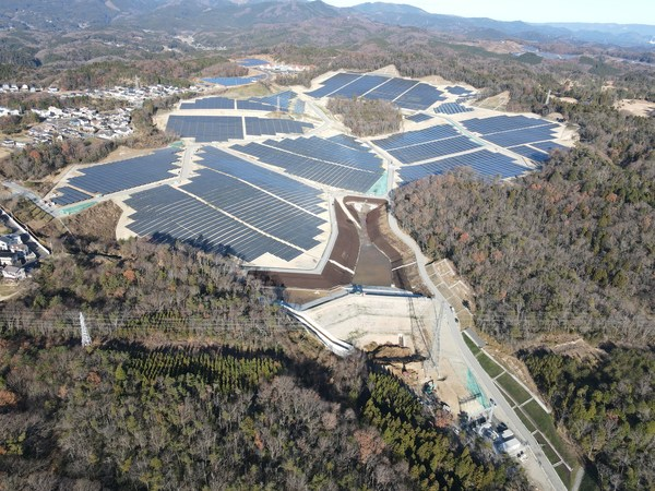 The Isohara solar farm in Kita-Ibaraki City, Japan. Image: BayWa r.e.