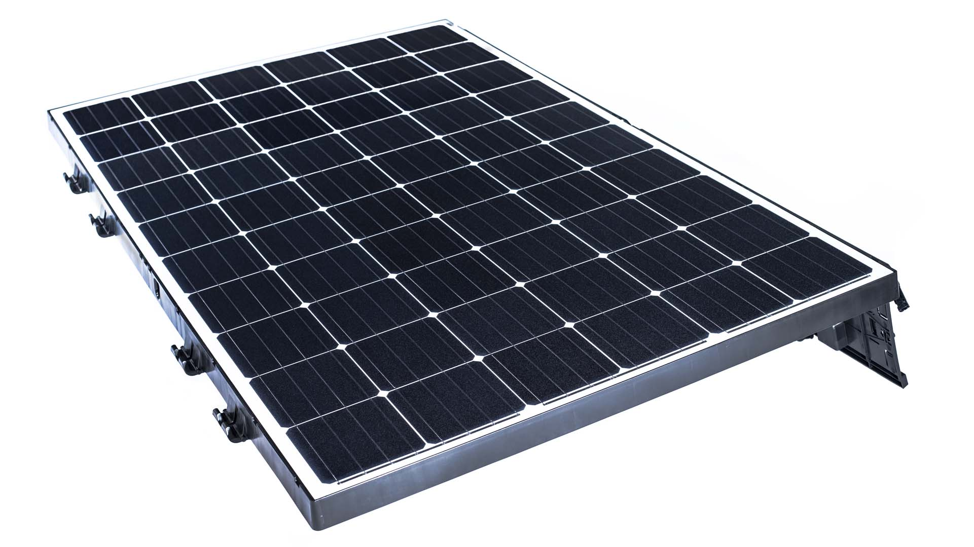 Beamreach Solar, formerly Solexel has showcased its new 'Sprint' lightweight PV module system for flat commercial rooftops at Intersolar Europe 2016 and features maximum power capacities ranging from 290 watts to 320 watts. Image: Beamreach Solar