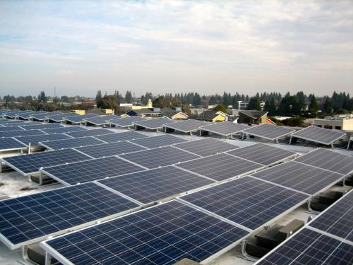 'Super league' module manufacturer Trina Solar's modules on a rooftop PV plant. Image: THiNKnrg.