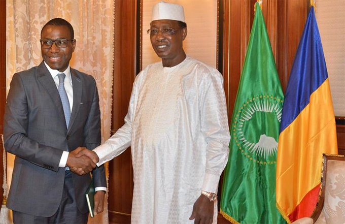 Chadian President Idriss Deby Itno and AfDB Vice President Amadou Hott pose for a photo. Image: AfDB