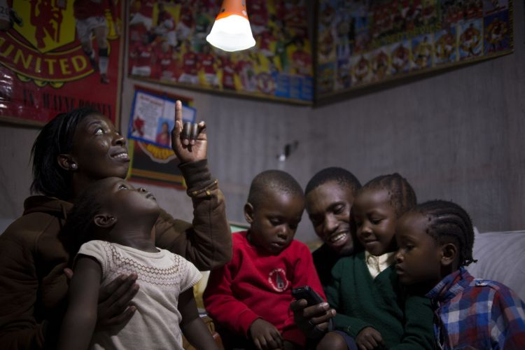 The solar kits use a pre-payment system that makes them financially accessible to low-income consumers. Credit: d.light