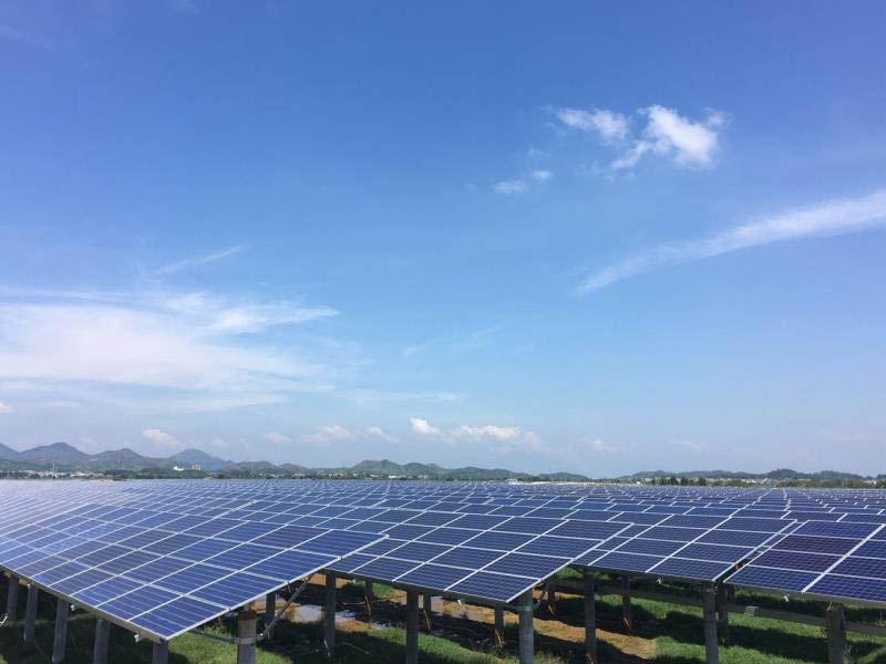 According to EnergyTrend, the new regulations imposed on utility-scale and Distributed Generation (DG) solar markets in China will lead to a decline in demand to be within a range of 29GW to 35GW, with a mid-point forecast of 31.6GW deployed in 2018, a 40% decline. Image: GCL NE