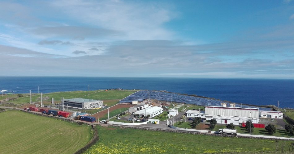 The project so far - note utility-scale PV installation on right hand side towards coast. Image: Younicos
