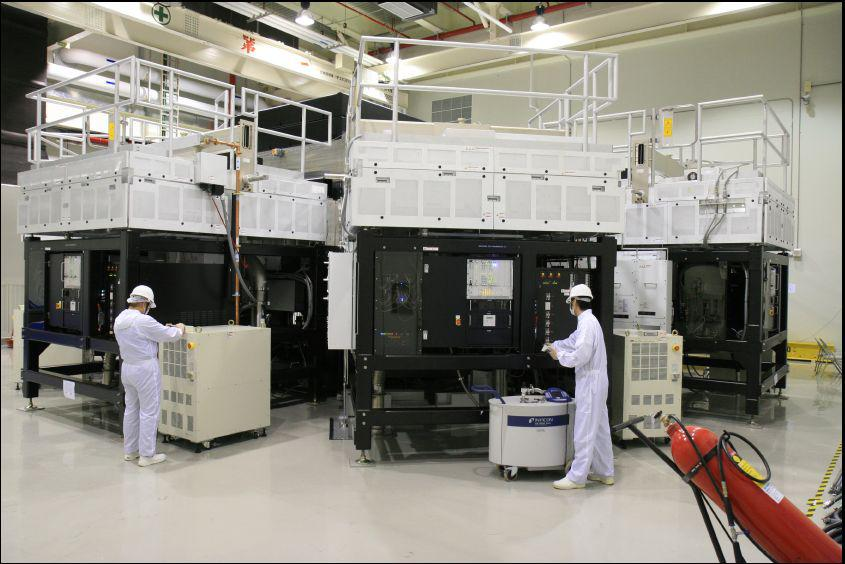 Applied Materials had developed its 'SunFab' turnkey system for a-Si thin film production. Image AMAT