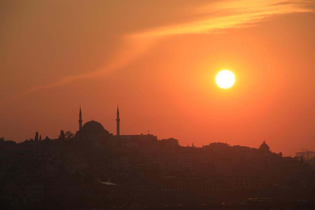 Istanbul skyline. Source: Creative Commons, Inigo Alonso