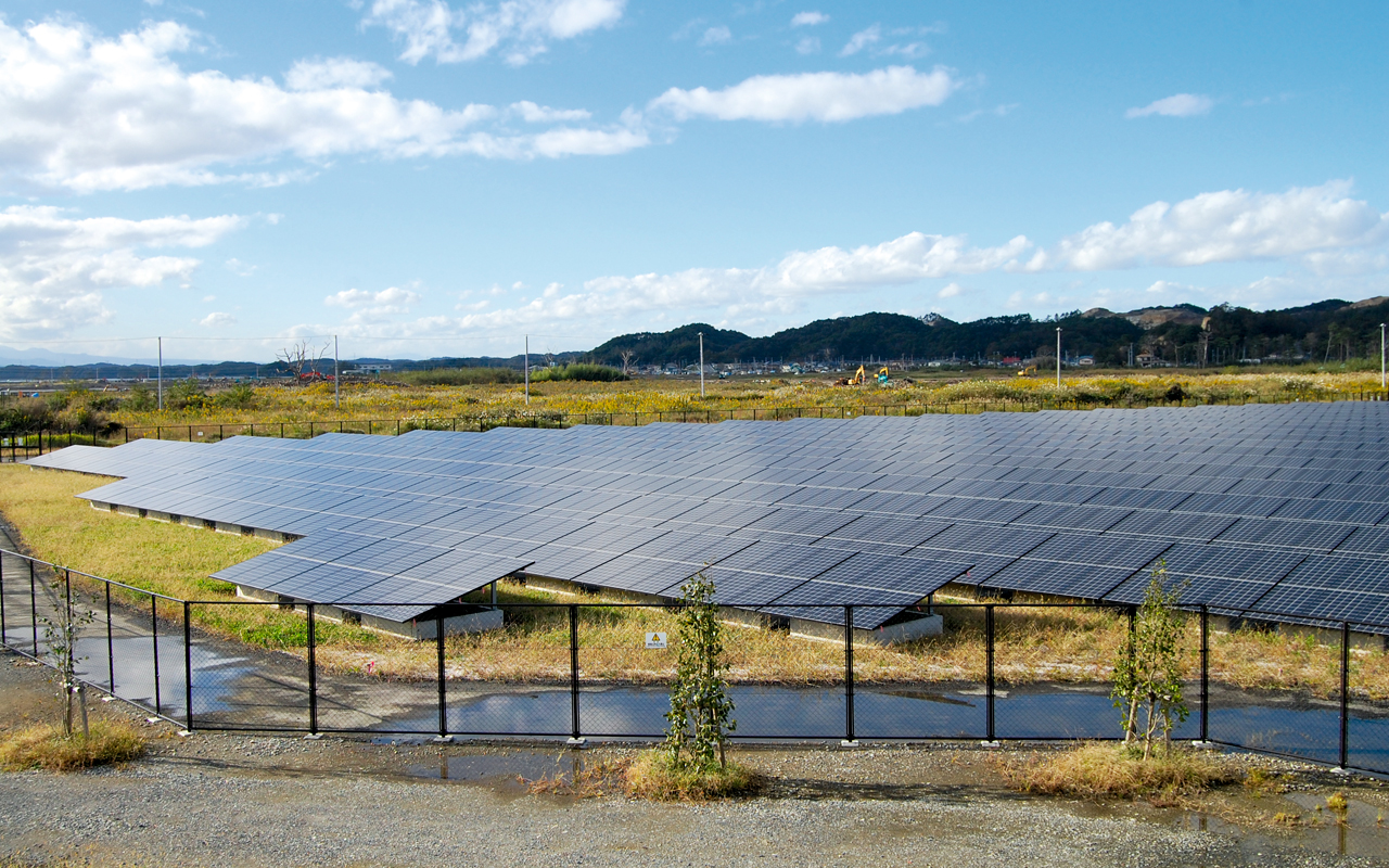 View of a 3.57MW solar farm in earthquake hit Sendai Prefecture, taken by the author on a 2014 field visit. Image: Andy Colthorpe.