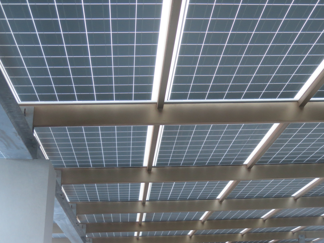 rooftop solar. credit: Tom Kenning