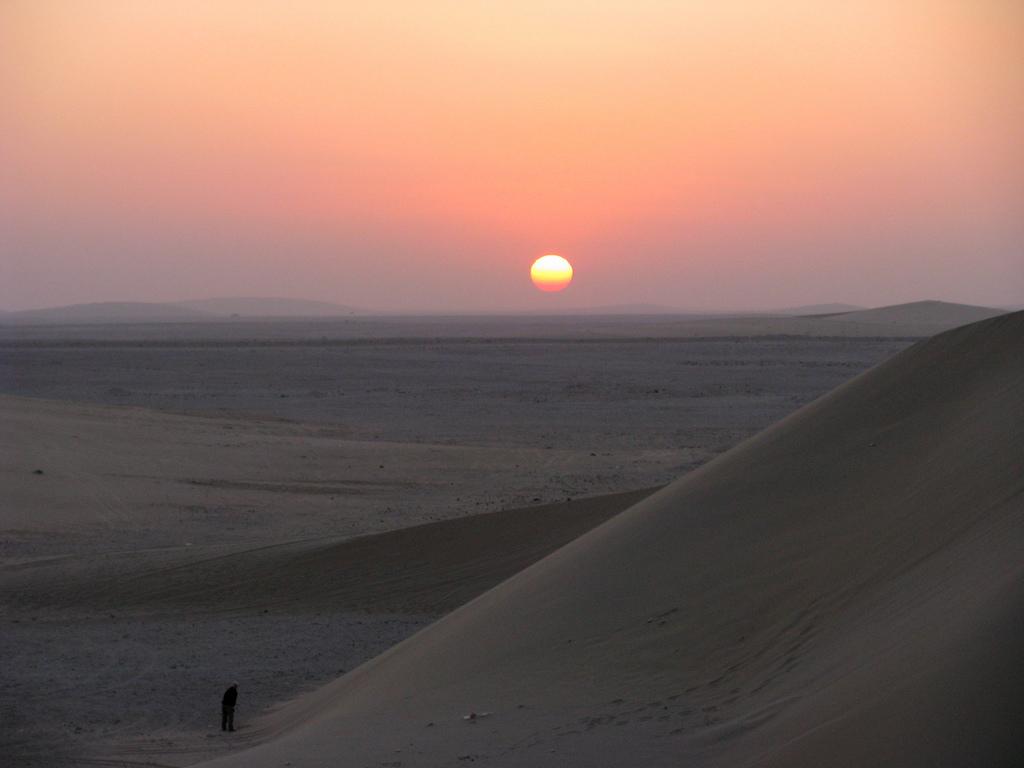 Qatar desert landscape. Source: Flickr/pedronet