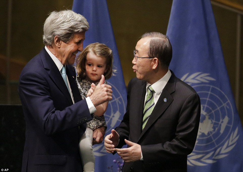 US Secretary of State John Kerry and UN General Secretary Ban Ki-Moon after signing the agreement. Source: AFP/Getty Images