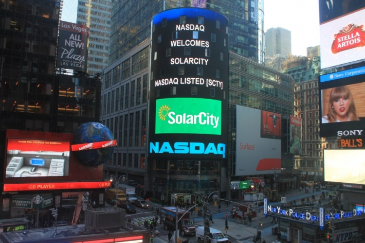 SolarCity is targeting installations growth of around 40% for 2016. Image: SolarCity.