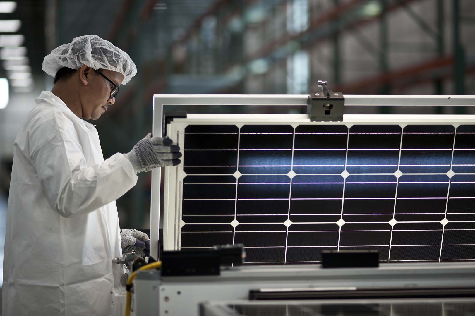SolarWorld Americas, the US manufacturing and sales operations of bankrupt SolarWorld AG is the key outstanding asset up for grabs with production of high-efficiency P-type monocrystalline PERC (Passivated Emitter Rear Cell) technology in Hillsboro, Oregon. Image: SolarWorld