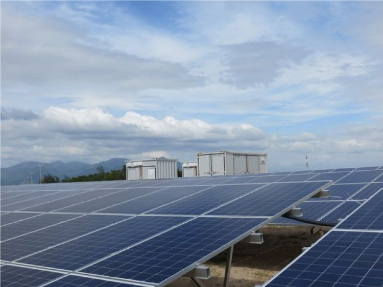 A 6.25MW turnkey central inverter solution supplied by Sungrow at an 80MW utility-scale PV project in Ninh Thuan province, Vietnam. Image: Sungrow