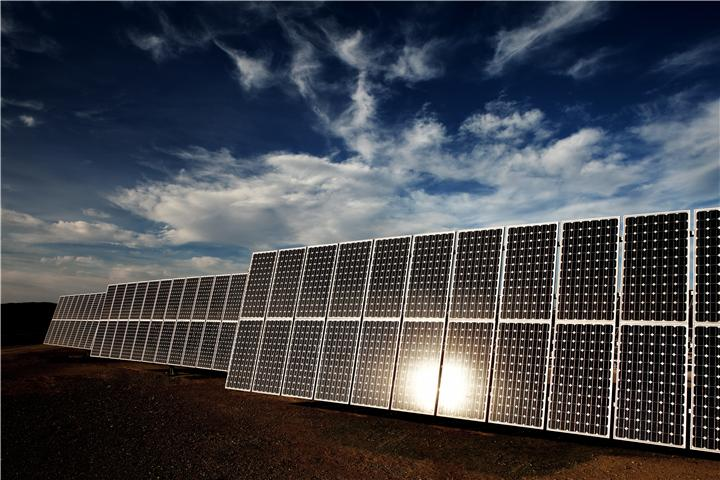 The two installations, located in  Mafraq, Jordan, will be constructed by Fotowatio Renewable Ventures (FRV). Image: ABB