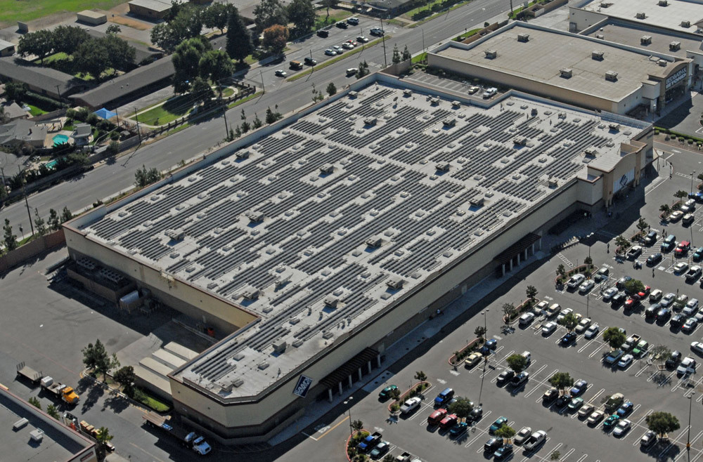 In 2007, Wal-Mart launched a solar power pilot project to determine solar viability for their store portfolio. The pilot program consisted of 22 sites across California and Hawaii. Image: Blue Oak Energy